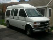 Chevrolet 2000 Chevrolet Express Base Standard Cargo Van 3-Door